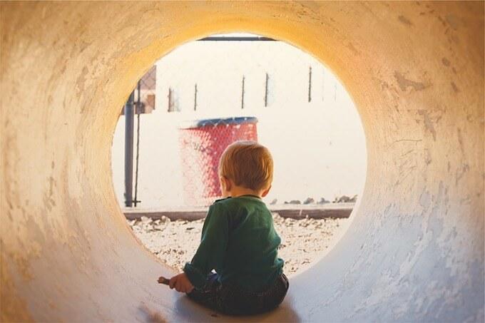 トンネルと男の子
